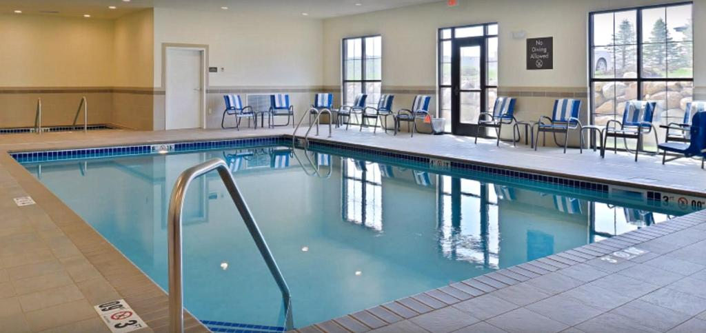 Comfort Inn Suites Sioux Falls Sd Booking Com