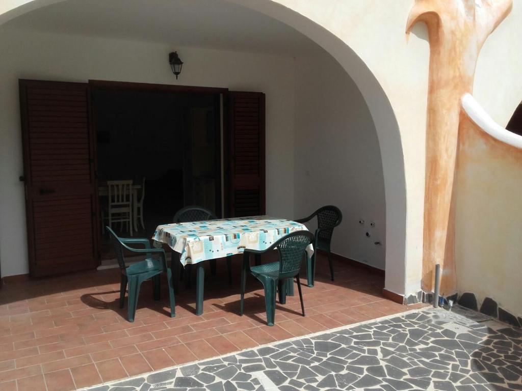 Appartamenti vacanze orosei italia cala liberotto for Appartamenti orosei