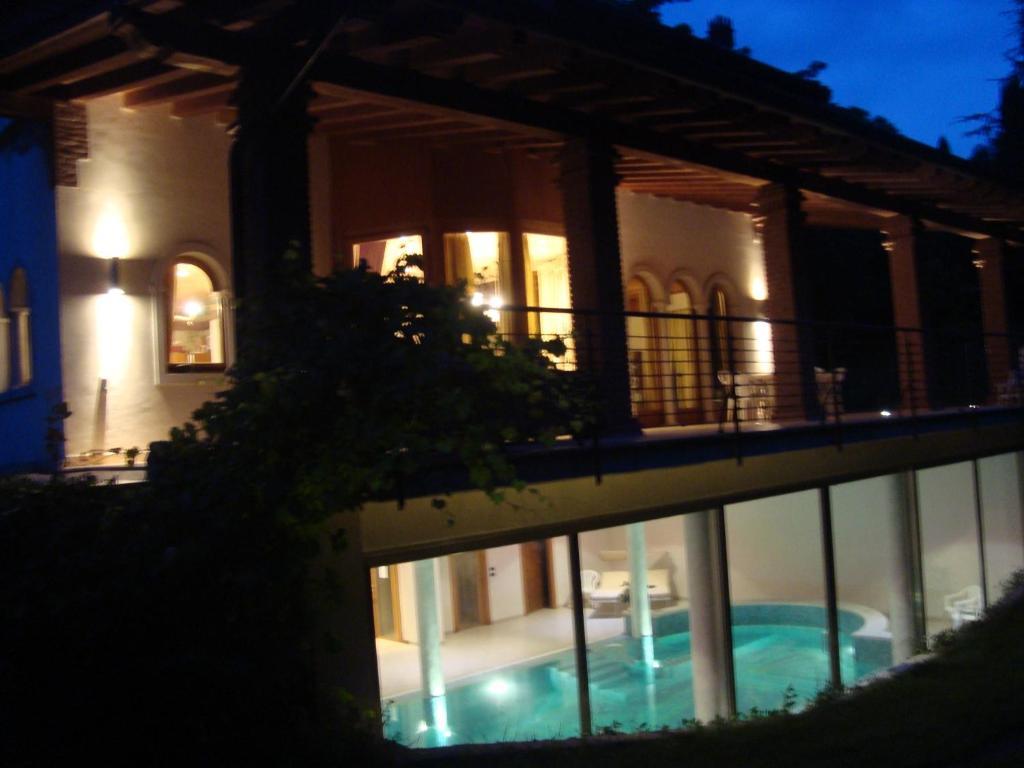 Villa d'epoca sul lago di garda con piscina, lazise, incluse ...