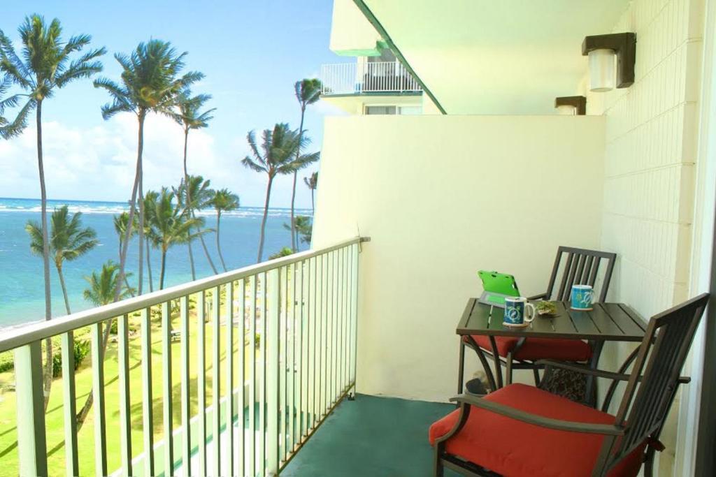 <div data-et-view=NAFQCDCcdXDPdFO:1</div Paradise Beachfront Dolphin 604