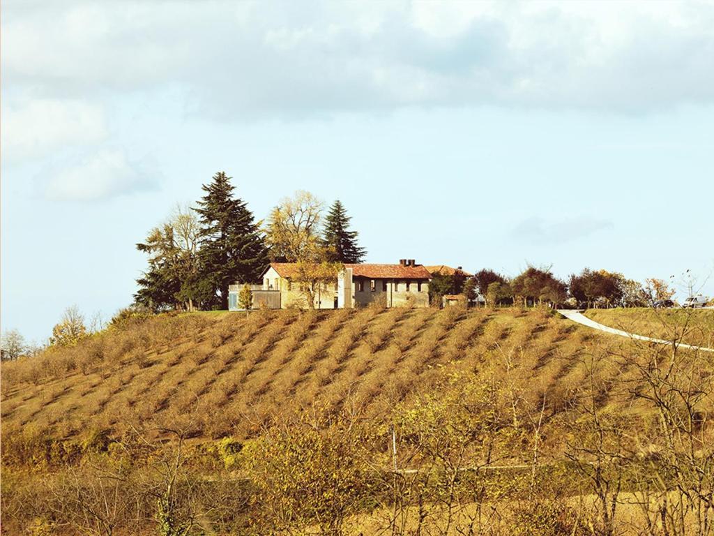 Matrimonio In Langa : بيوت ريفية cascina langa إيطاليا trezzo tinella booking.com
