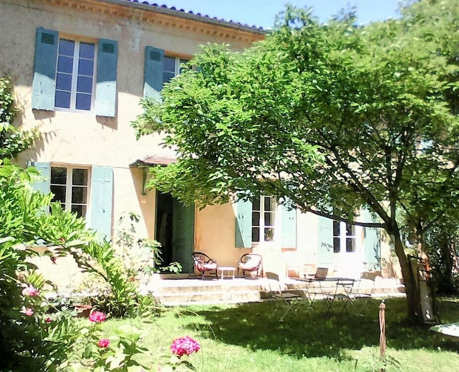 Bed and breakfast maison du mascaret le tourne france for Decoration staff maison