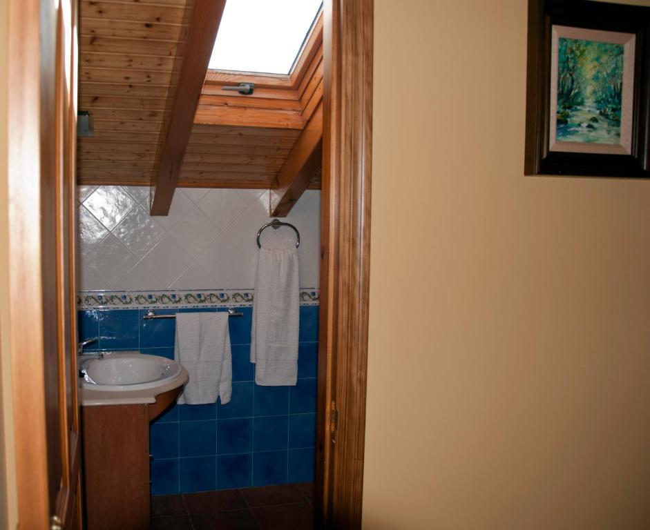 Casa de campo casa el cartero espa a soto de valde n - Hoteles casa de campo madrid ...