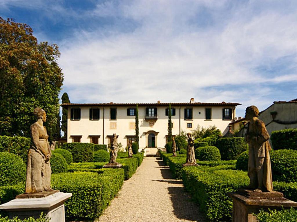 Villa apt la limonaia firenze florence italy for Villas firenze