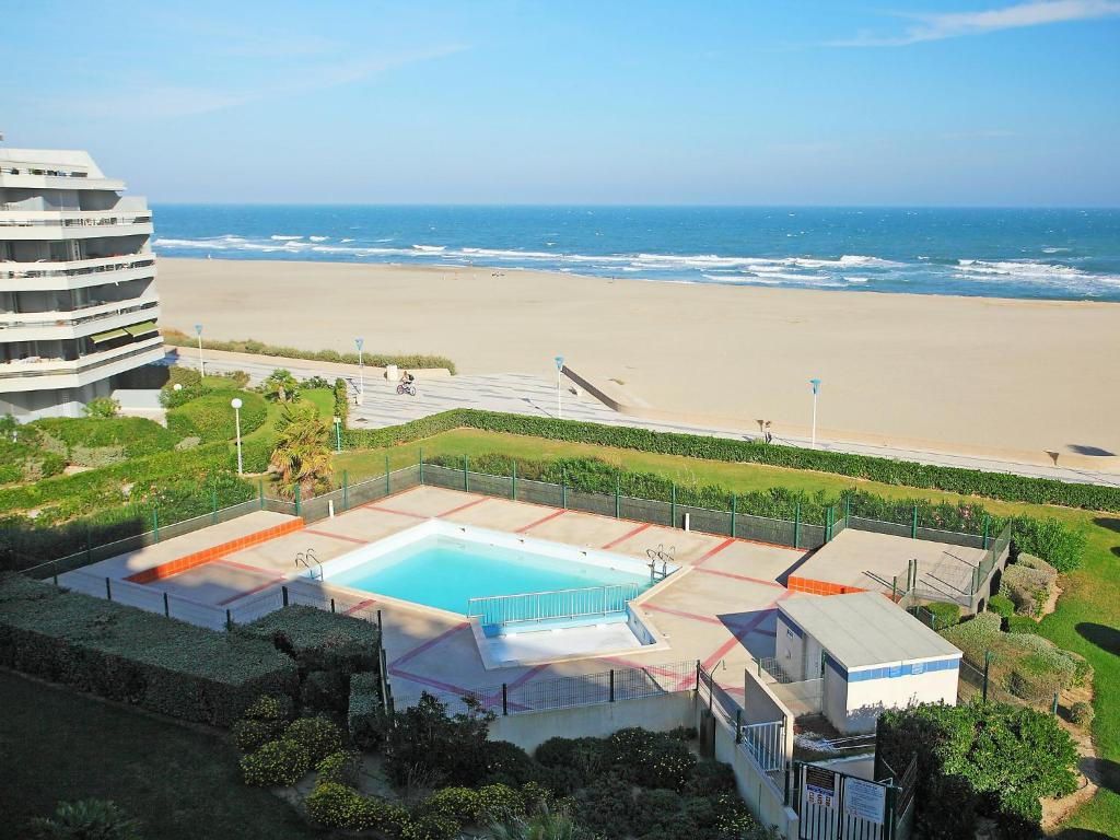 Best deals for apartment apt gd sud i canet plage canet for Hotel design sud france