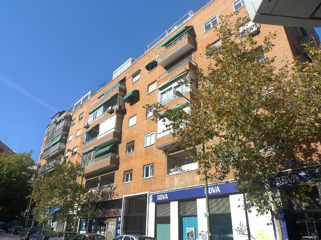 Best deals for apartment chamart n ciudad jard n madrid for Appart hotel madrid