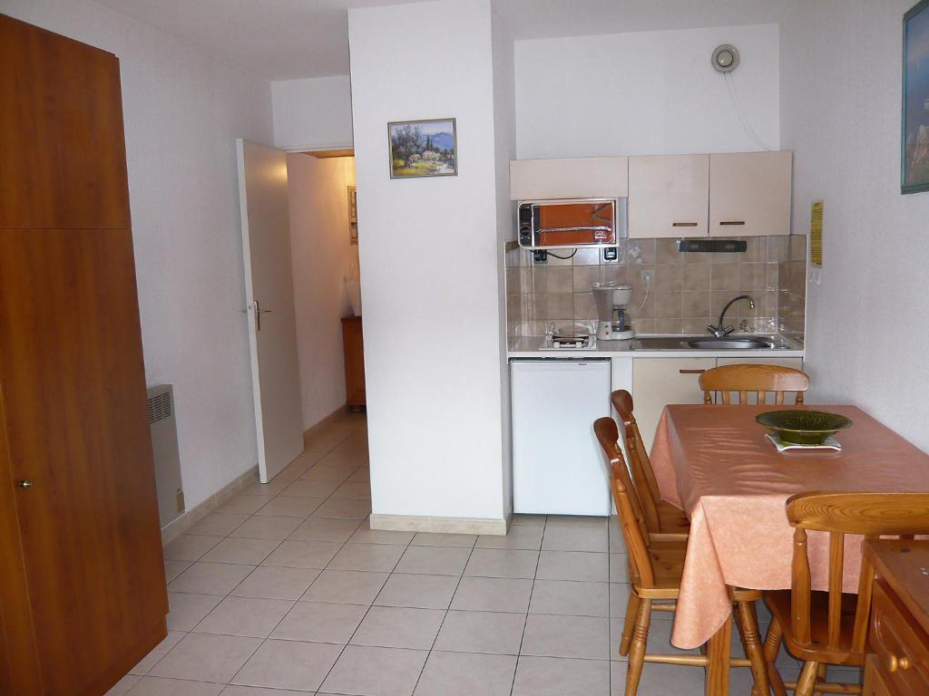 Appartement apt estivales sanary mer sanary for Booking appartement