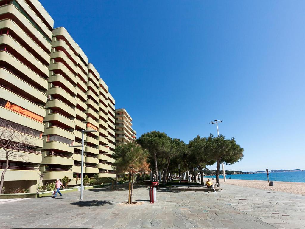 Appartement edificio capanema platja for Reservation appart hotel espagne