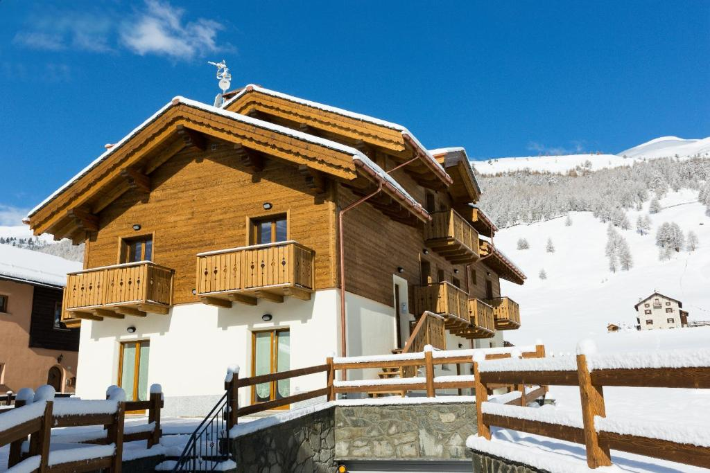 Chalet luxe livigno 2 italia livigno for Reservation hotel luxe