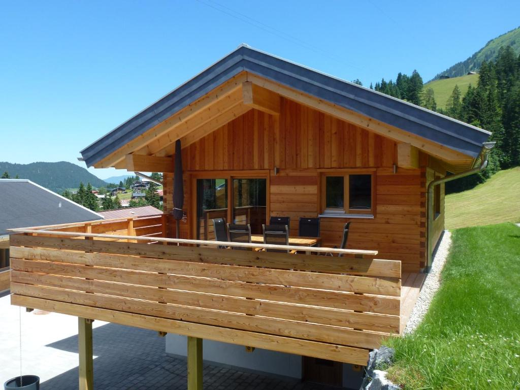 walser berg chalets riezlern austria. Black Bedroom Furniture Sets. Home Design Ideas