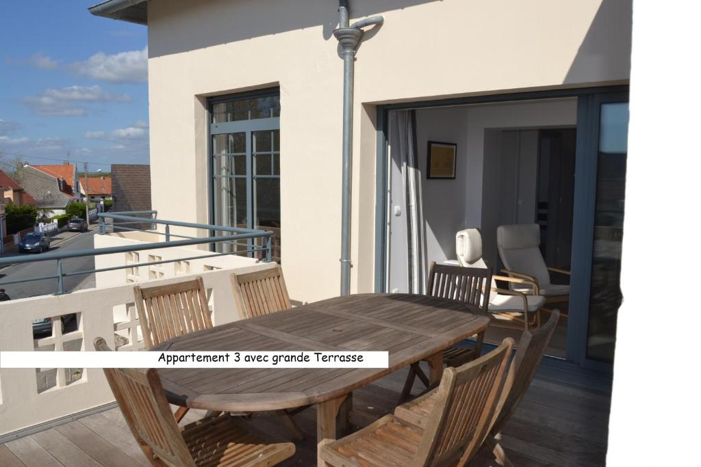 Apartment fort mahon plage fort mahon plage france for Appart hotel fort mahon