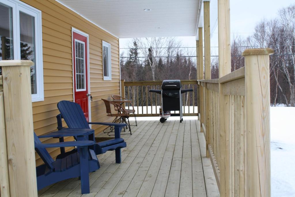 the country inn cottage canad gander. Black Bedroom Furniture Sets. Home Design Ideas