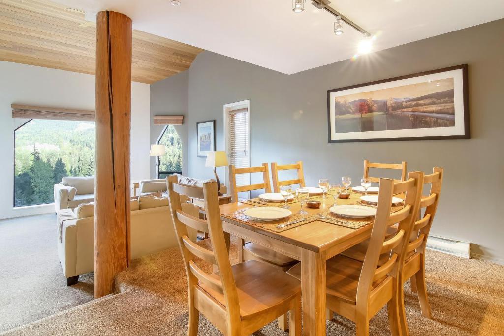 مطعم أو مكان آخر لتناول الطعام في Snowbird by Elevate Vacations
