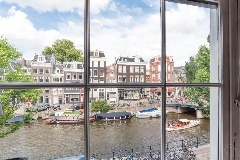 Sublime Canal Residence Amsterdam Netherlands