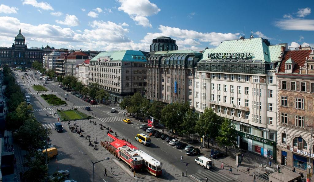 Best deals for hotel apartments wenceslas square prague for Hotel reservation in prague