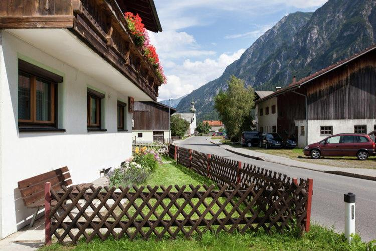 ferienhaus beate austria steeg. Black Bedroom Furniture Sets. Home Design Ideas