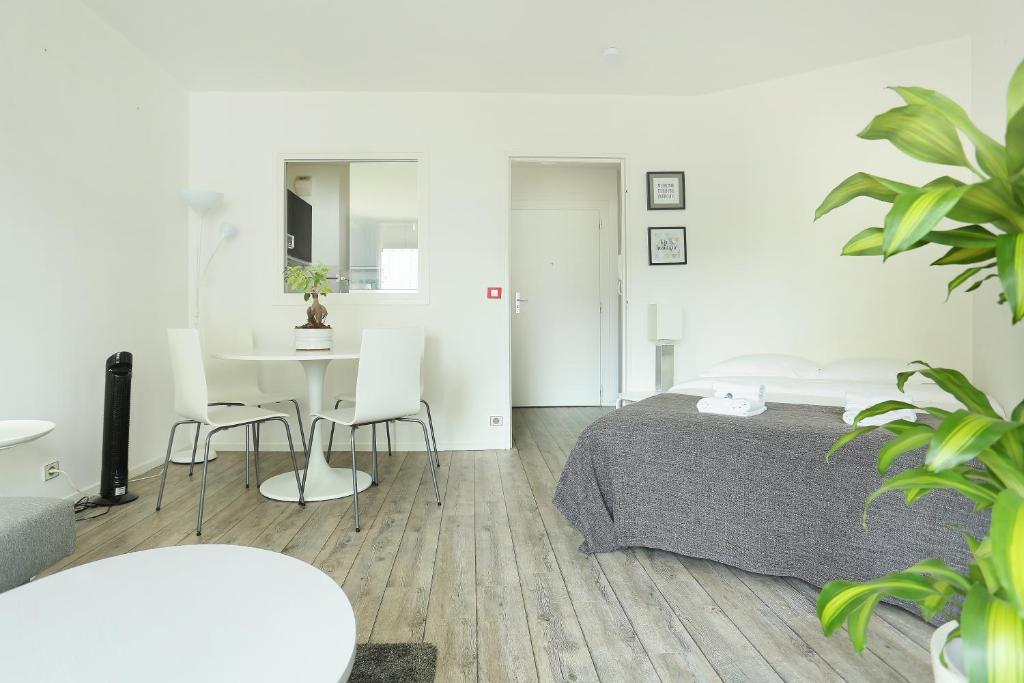 Apartment montparnasse avenue du maine francia par s for Garage avenue du maine