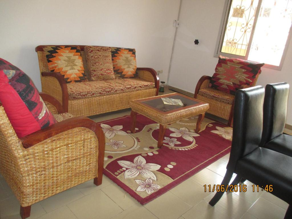 Appartement meubl yaound cameroon for Meuble appartement