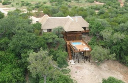 <div data-et-view=NAFQCDCcdXDPdFO:1</div House 12 Blyde Wildlife Estate
