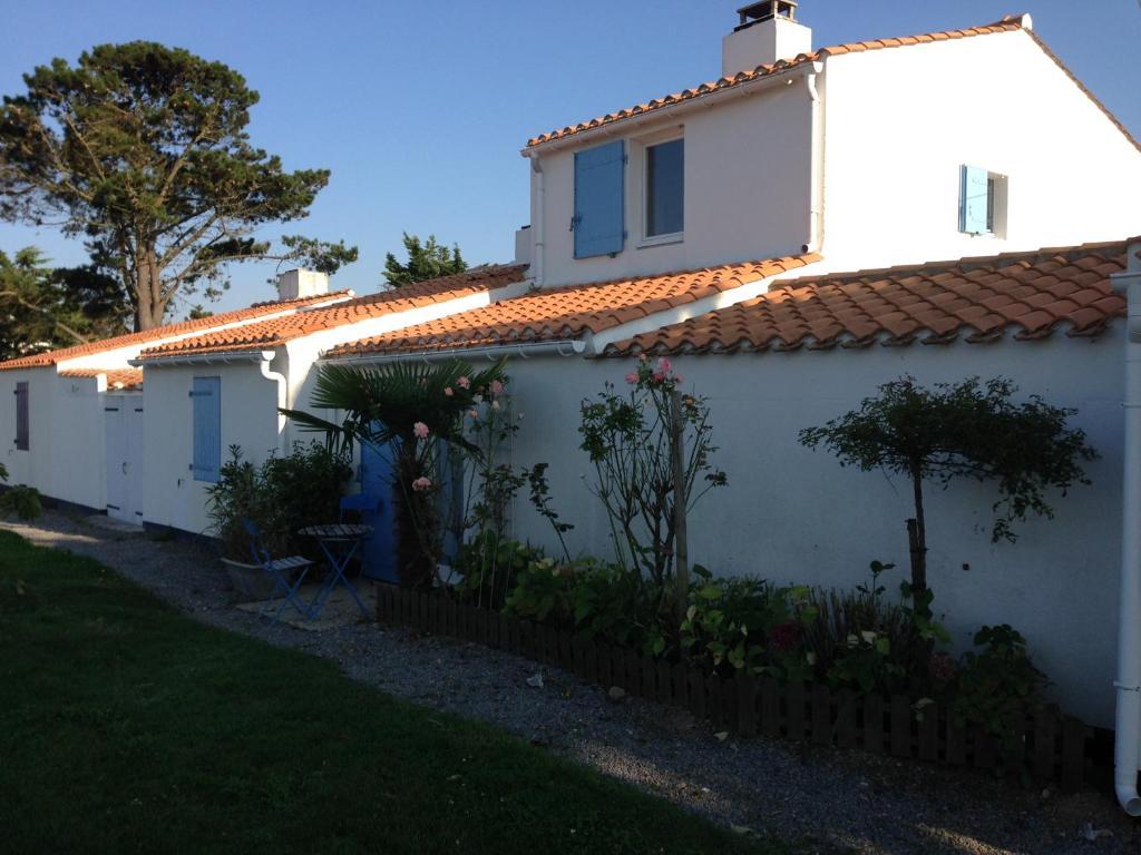 Vacation home maison de famille aux fermes marines for Maison de famille decoration