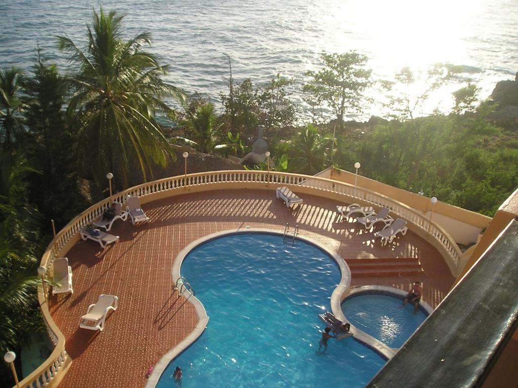 Apartment costa azul santo domingo dominican republic - Piscina bagnolo mella ...