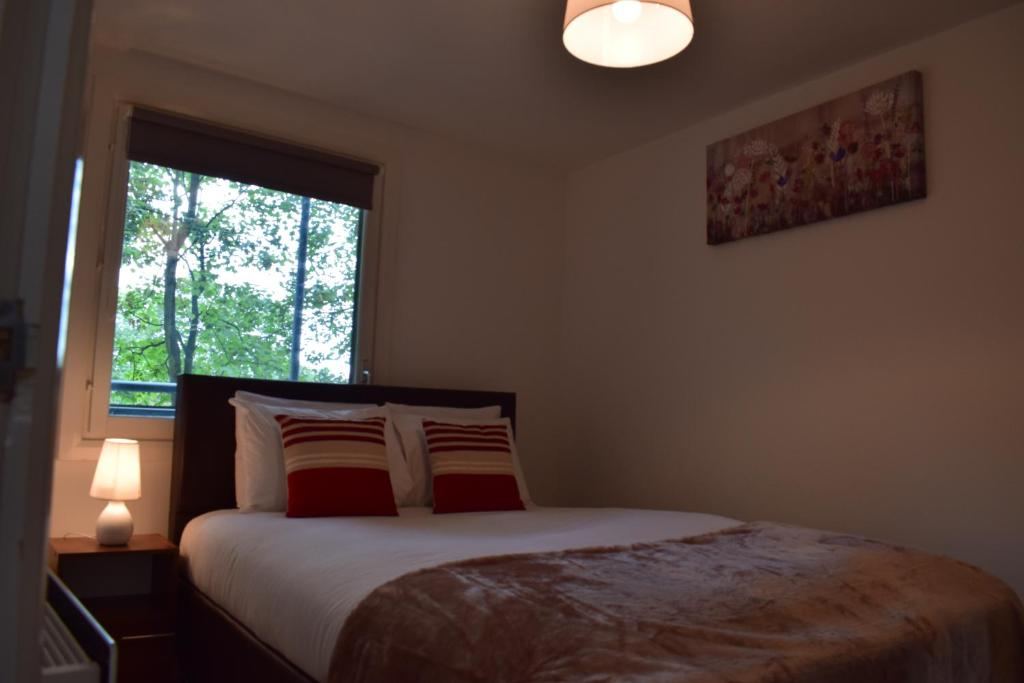 Mak serviced apartments leeds uk for 02 academy balcony