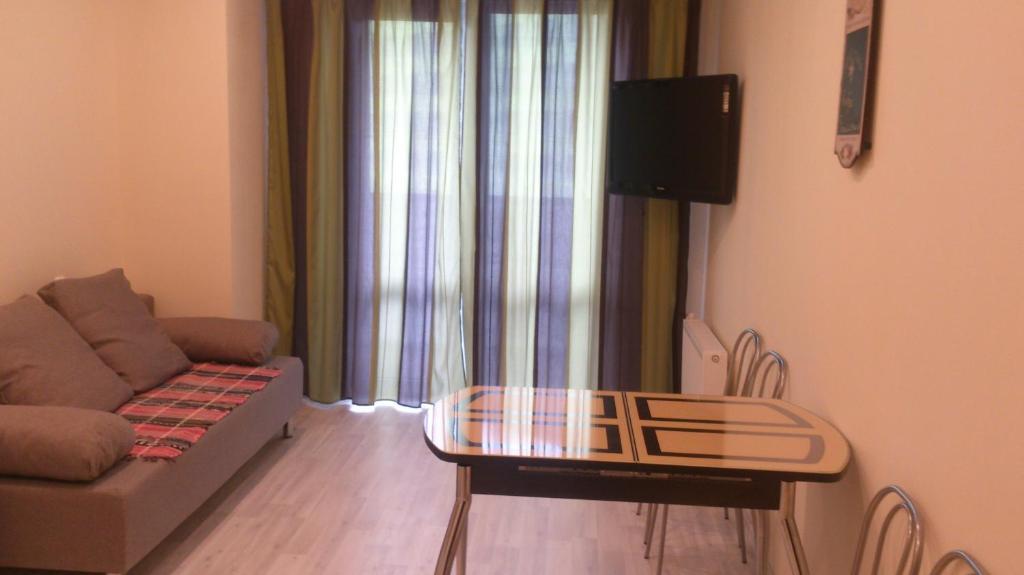Apartment na Arkhitektora Danini 5