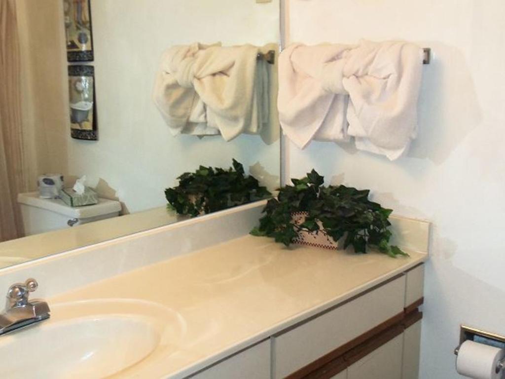 Two Bedroom Condo In Downtown Gatlinburg Unit 201 39 39