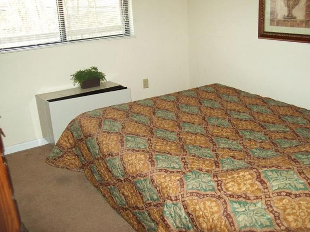 Two Bedroom Condo In Downtown Gatlinburg Unit 307 Book