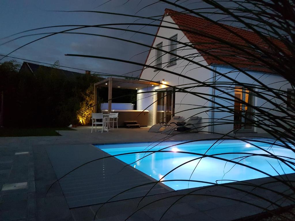 <div data-et-view=NAFQCDCcdXDPdFO:1</div Villa Balnea