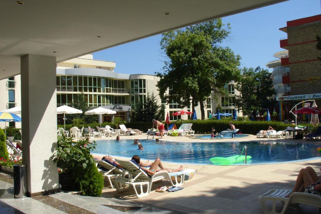 בריכת השחייה שנמצאת ב-Hotel Klisura או באזור