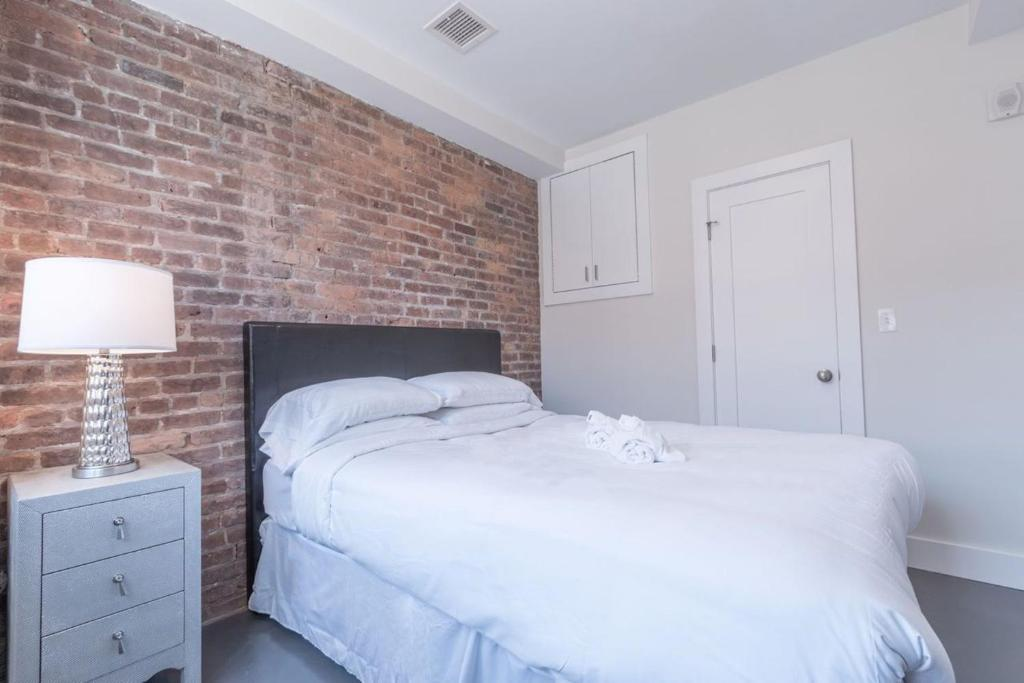 bedroom apartment on massachusetts avenue 2 boston ma