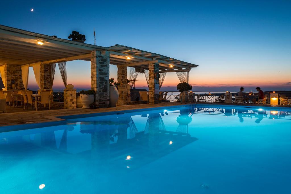 A piscina localizada em Sunset View Hotel ou nos arredores