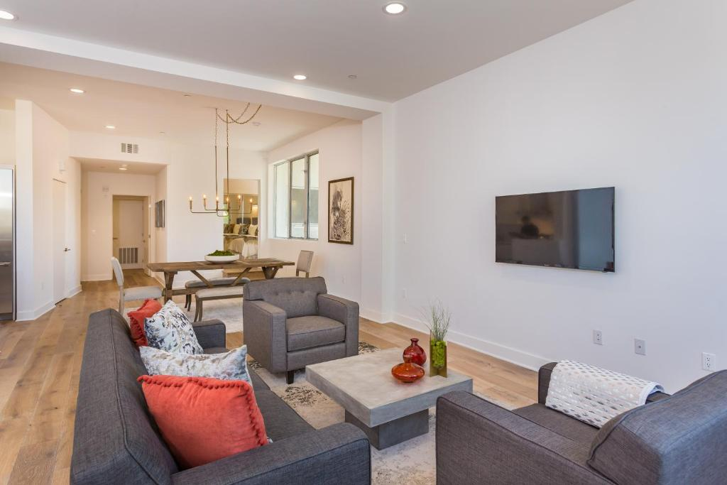 Apartment Melrose Place Luxury 2 Bedroom Los Angeles Ca