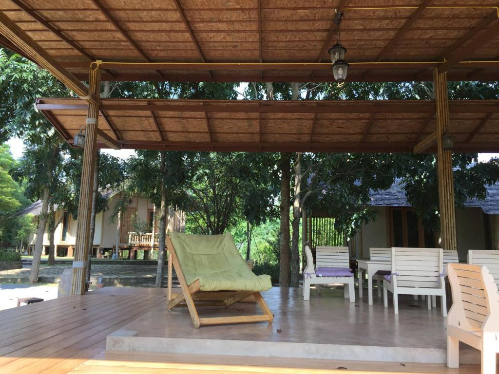 Isaree secret garden ban sathani bandai ma thailand for Secret hotel booking