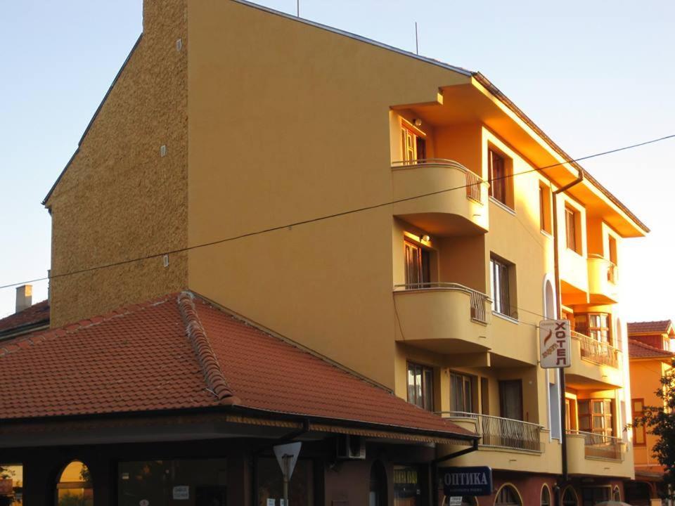 Хотел Лавега