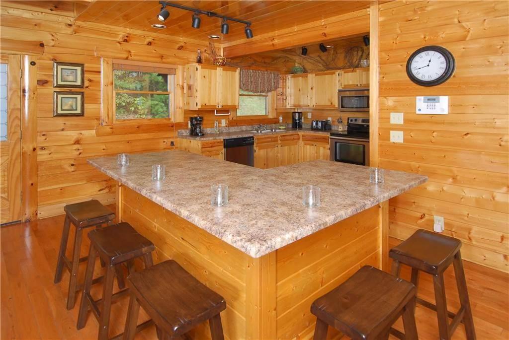 Top deals vacation home heaven sent waldens creek tn for 37862 vessing terrace