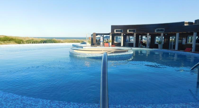 Linda bay beach resort argentina mar de las pampas for Le marde hotel