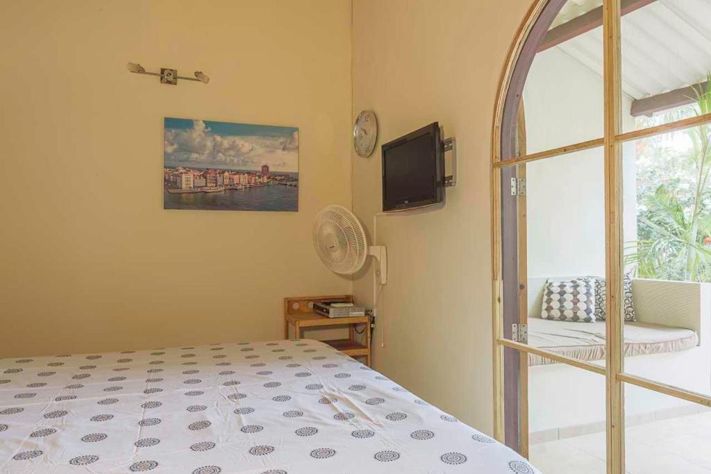 apartment klein amsterdam dorp sint michiel cura ao. Black Bedroom Furniture Sets. Home Design Ideas