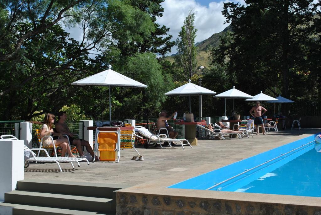 La pileta dentro o cerca de El Condor Hotel Spa