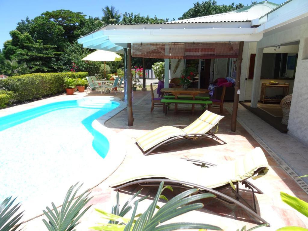 Villa moorea polin sia francesa temae for Villas francesas