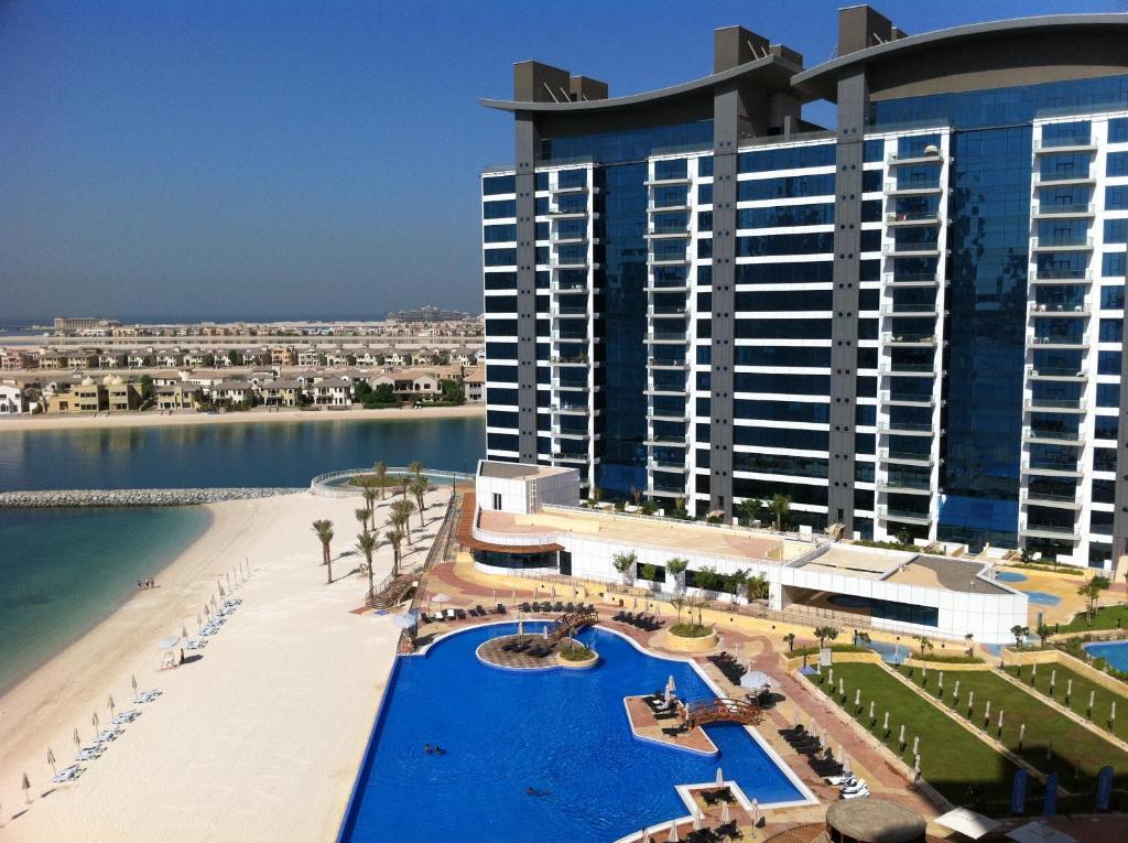 Dubai oceana residence palm jumeirah dubai hotels for Dubai beach hotels cheap