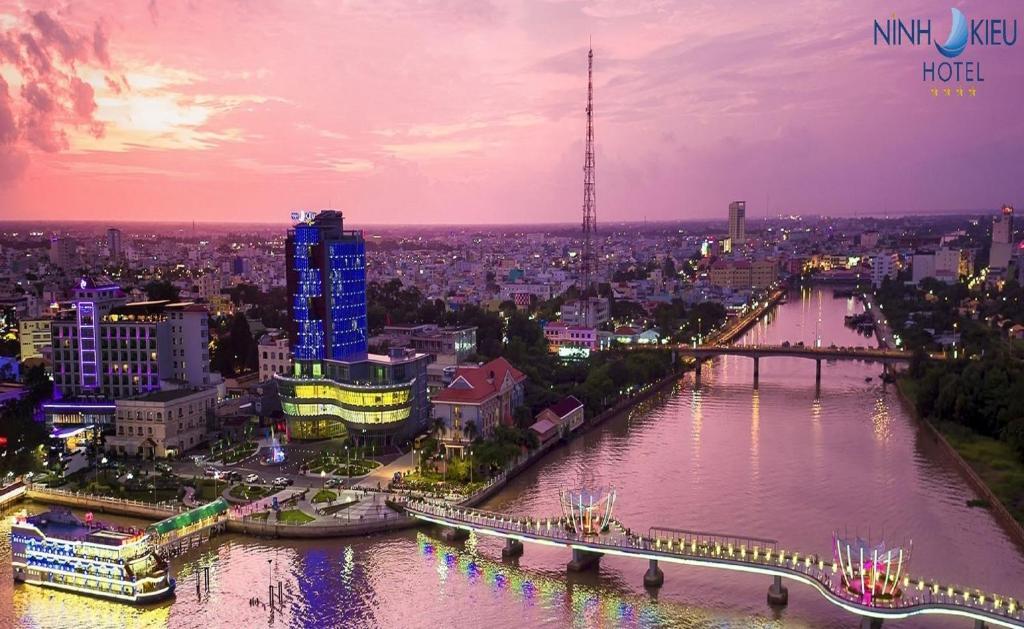 Ninh Kieu Riverside Hotel