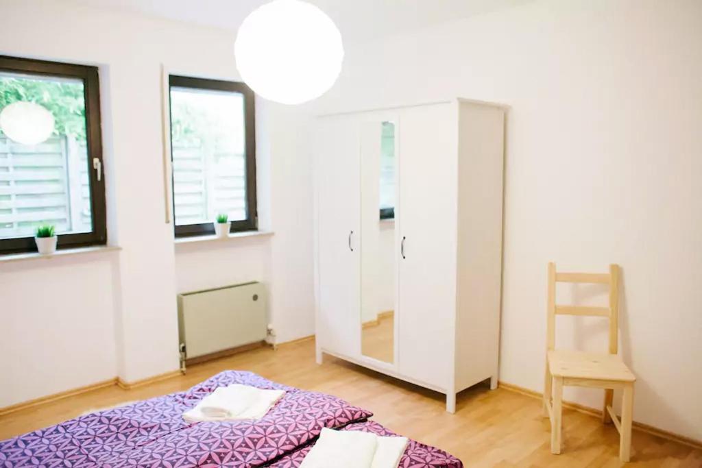 departamento 2 zimmer wohnung in mainz lerchenberg n he zdf alemania mainz. Black Bedroom Furniture Sets. Home Design Ideas