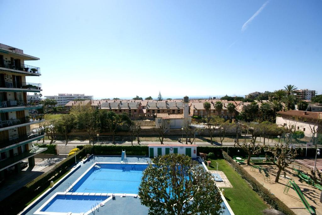 Apartment bellavista premi de mar spain for Piscina premia de mar