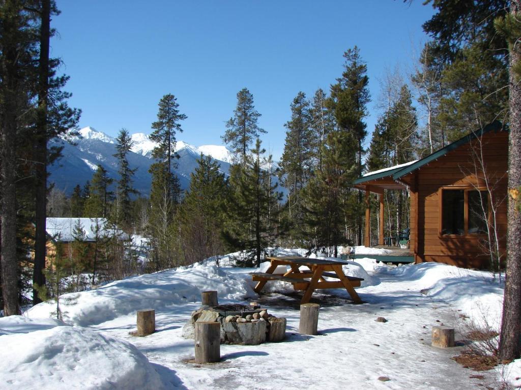 Mica mt lodge log cabins canad tete jaune cache for Piani di log cabin lodge