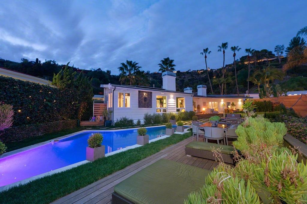 villa hollywood hills 114373 24444 los angeles ca. Black Bedroom Furniture Sets. Home Design Ideas