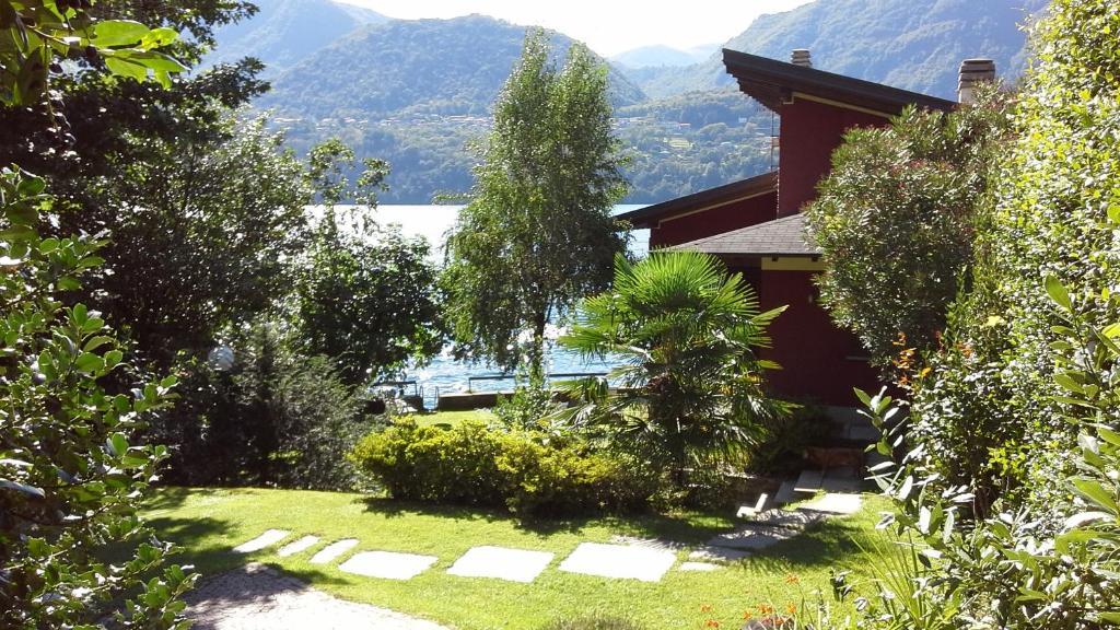 B b la casa sul lago italia omegna for Costruire una casa sul lago