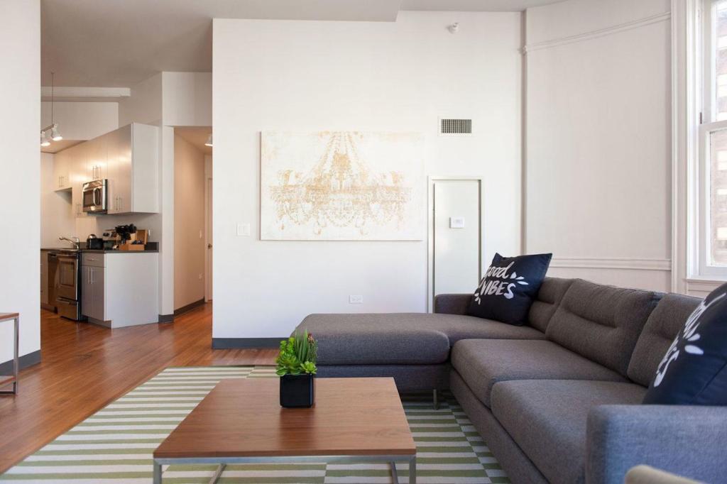 Departamento three bedroom on w van buren street apt 801 Hotels with 3 bedroom suites in chicago
