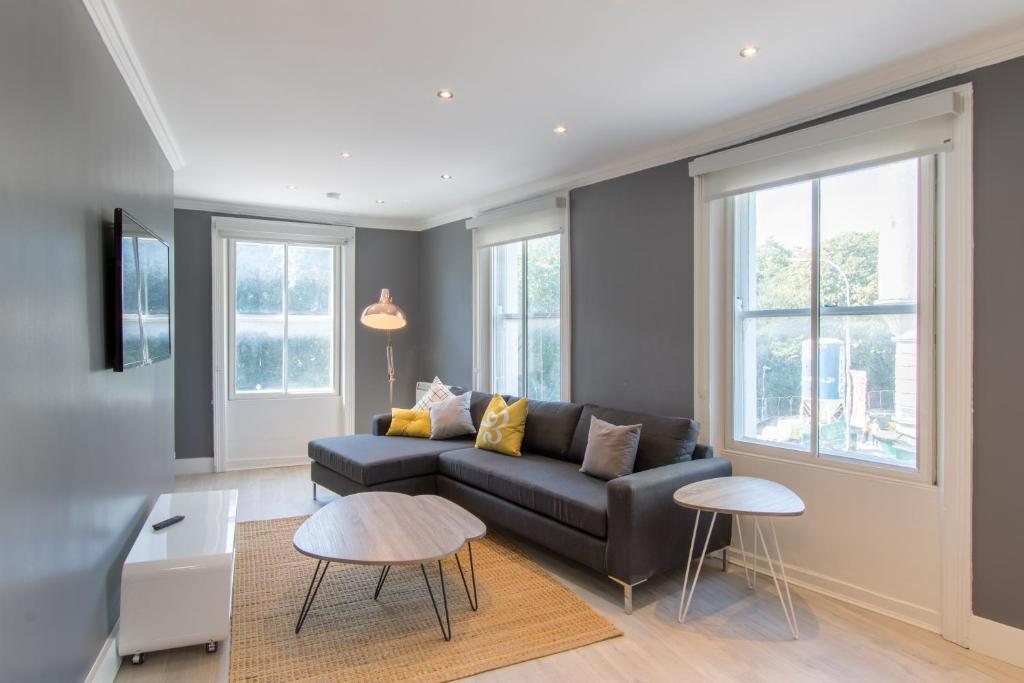 The dawson suite apartments on st dublin ireland for Appart hotel dublin